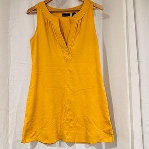 Mustard yellow jumper